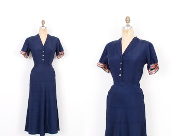 Vintage 1940s Dress / 40s Rayon Faille Day Dress / Navy Blue ( extra small XS )