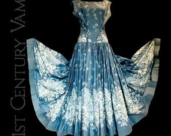 Fabulous 1950s Drop Waist Evening Dress & Matching Stole. Full skirt. Sleeveless. Floral. Alternative Wedding. Vintage Bride.