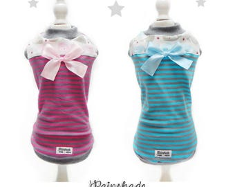 Sleeveless T-shirt in striped cotton jersey for pets. Striped fucshia and striped light blue. Sizes: XS-S-M-L-XL. S-M for Dachshund