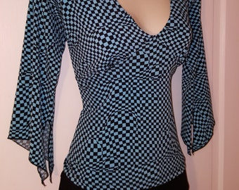 90's RAVER GEOMETRIC TOP // Black and Blue Checkered Top Magic Eye 3/4 Sleeve Size L Crop Top Bubbles Circles