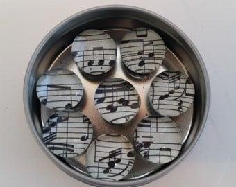 "Glass Gems Magnet Set: ""Music Note"" design"