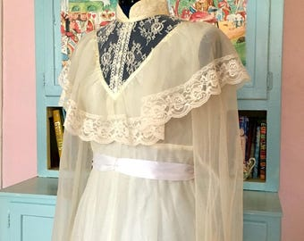 Vintage 1970s Bohemian Off White Gown High Collar Puff Sleeves Lace Outdoor Wedding Dress Retro Costume
