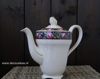 Vintage English porcelain ... teapot Marlborough, Royal Petal.
