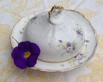 Farmhouse Kitchen Porcelain Butter Dome, Taylor & Knowles Butter Plate, Lavender and White Flowers and Gold Gilt Edging, Early 20th Century