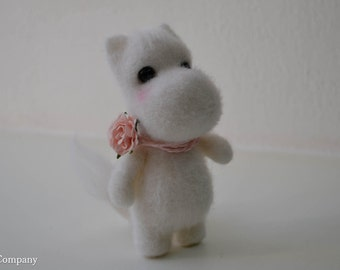 Needle felted moomintroll girl Moomin home decor White felted hippo Felt animals Wool moomintroll doll Fairy tale toy Handmade gift for her