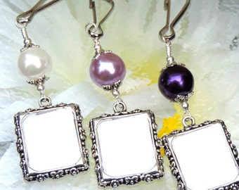Wedding bouquet photo charm - purple or white pearl. Bridal bouquet charm. Memorial charm with small picture frame. Gift for a bride.