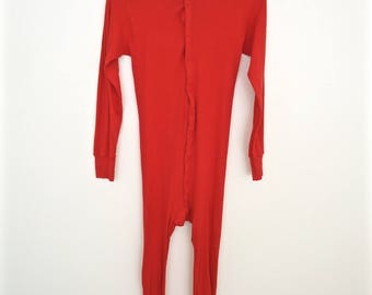 Red Cotton Union Suit with rear back butt flap / winter long johns pajamas onesie / men's small
