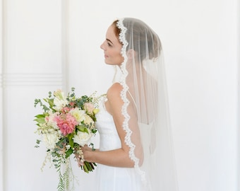 Lace veil, Mantilla veil, lace wedding veil, lace edge veil, one tier veil with lace, French lace veil, fingertip veil, cathedral veil