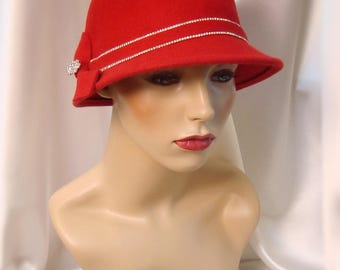 Red Wool 1920s Cloche Hat, Phryne Fisher Inspired Hat, Downton Abbey Inspired Hat