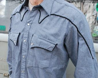 Vintage Western Shirt Rockmount Ranch Wear Medium Blue With Black Edging