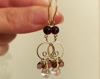 Garnet quartz and Czech glass beads dangling earrings handmade with hammered gold wire