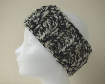 Chunky knit ear warmer black (natural) white kids head warmer size 6-11 yrs warm comfortable knit in the round no seams thick yarn head band