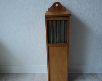 REDUCED - French Vintage  wooden baguette / bread box (04125)