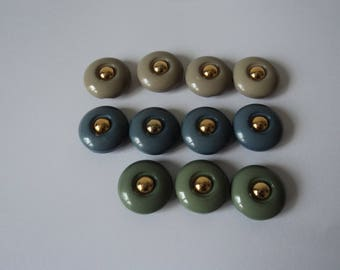 REDUCED - French vintage set of eleven lovely craft buttons (04674)