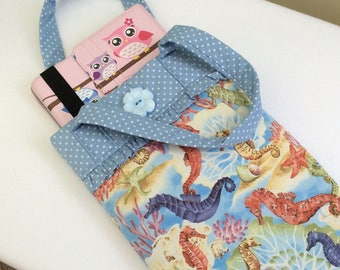Seahorse iPad case / iPad sleeve / bag with handles / girls iPad bag / iPad bag / iPad air 5 bag / seahorses / padded iPad bag / novelty bag