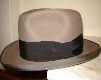 Vintage 1950's Dunn & Co Grey fur felt Homburg fedora Size 7 US (Size 6 7/8 UK) 56