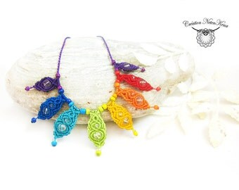 Collier in the colors of the 7 chakras - Weaving of macrame with Quartz - Rainbow pendant - Colorful jewel, fairy jewel, zen jewel