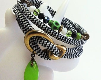 Bracelet cord - black and white
