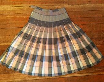 "50's 60's Wool Pleated Plaid Reversible Skirt - 28"" waist Small Medium"