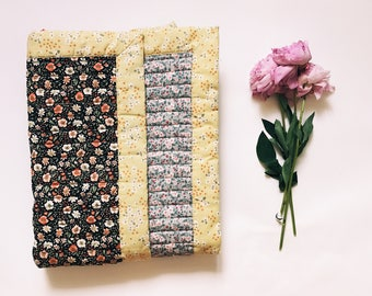 Baby Quilt, Floral Pattern, Baby Bedding, Modern Quilt, Baby Blanket