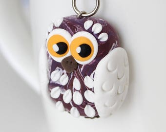 Marble style burgundy Owl keychain