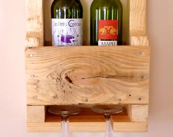 "In ""Mini-Rustique"" recycled wood wall wine rack"