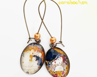 """Earrings klimt """"mother to child - the kiss Gustav Klimt"""" art painting table maternity 3 ages of women, cabochon glass"""