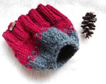 Messy bun Knit hat. Ponytail hat. Child gift.Ready to ship. Running hat