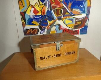 Wooden case vintage metal frame
