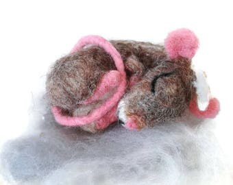 Felt mouse,  Needle felted mouse, Miniature animal, Felting animal,  Eco-Friendly,  Collectible Ornament, Small toy, Cute gift, Home decor