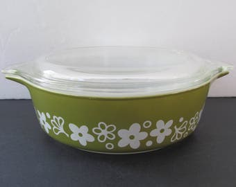 Pyrex Spring Blossom Casserole Dish, #471 1 pt with Lid/ Small Pyrex Crazy Daisy, Cinderella Round, White on Green, pint Covered Casserole