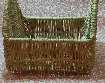 To taste wicker basket / Vintage wicker basket lunch
