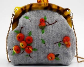 Hawthorn design woollen felt crossbody messenger bag 21x20x9cm Gray