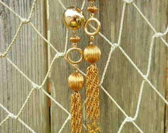 Vintage 6 Inch Long Gold Chain Stars Clip Back Shoulder Duster Earrings