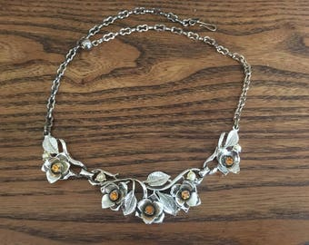 Vintage Topaz Rhinestone, Faux Pearl and Gold Flower Choker Necklace 1209