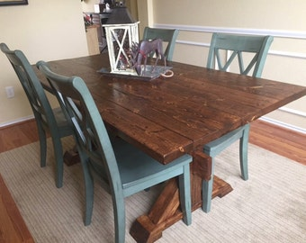 Chic Farmhouse Table