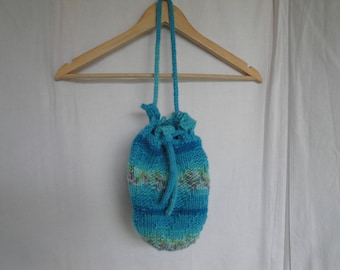 turquoise knit bag, draw-string purse, vegan-knit bag, swing handbag, blue mix pouch, bag with pockets, evening pump bag, blue shoulder bag