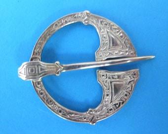 Wonderful Vintage Scottish Solid Silver Penannular Brooch/Pin
