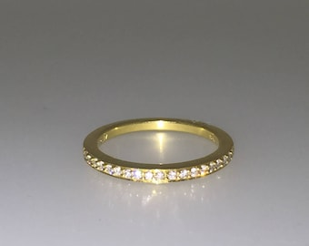 Half Eternity Diamond Band (0.17ct) in 18K Yellow Gold.