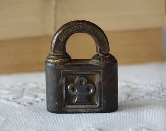 Antique brass YALE lock -  Made in USA - Vintage lock
