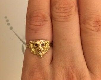 SALE Antique gold lion ring