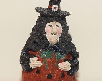 Mini Halloween Witch in a Jack O Lantern Pumpkin JOL Broomsnickle Baldwin