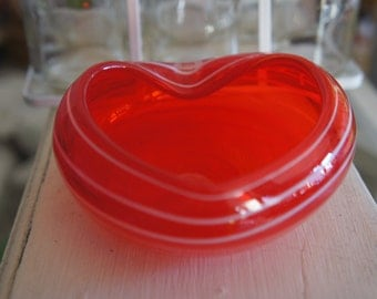 Vintage Collectible Heart Shaped Red And White Striped Glass Bowl Perfect For Valentine's Day Gift, Love, Boyfriend, Girlfriend, Wedding