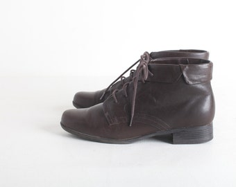 Women's Size 7.5 Brown Leather Ankle Boots