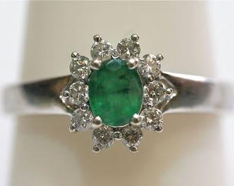 Vintage Halo Diamond/Emerald Ring 14kt white gold