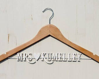 Engagement Gift, Personalized Wedding hanger, Bridal Hanger, Gift for Bachelorette , Perfect for bridal party, Gift for Bride vet0003