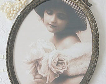 Antique Brass Oval Frame with Bow on Top, Hanging Photo Frame, Home Decor, France