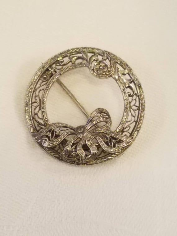 FREE SHIPPING-Vintage-Art Deco-10k-White Gold-Filigree-Circle-Bow-Pin-Brooch