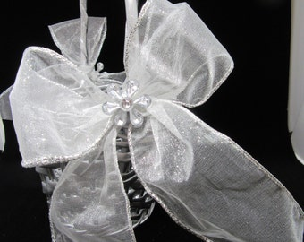 Basket Flower Girl Vintage Round Silver Woven Weave on Handle White Bows Crystal Flower Accents Wedding Gift Storage Home Decor Cottage Chic