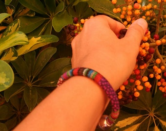 Round ethnic bracelet